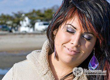 К чему приводит частое мелирование на темные волосы